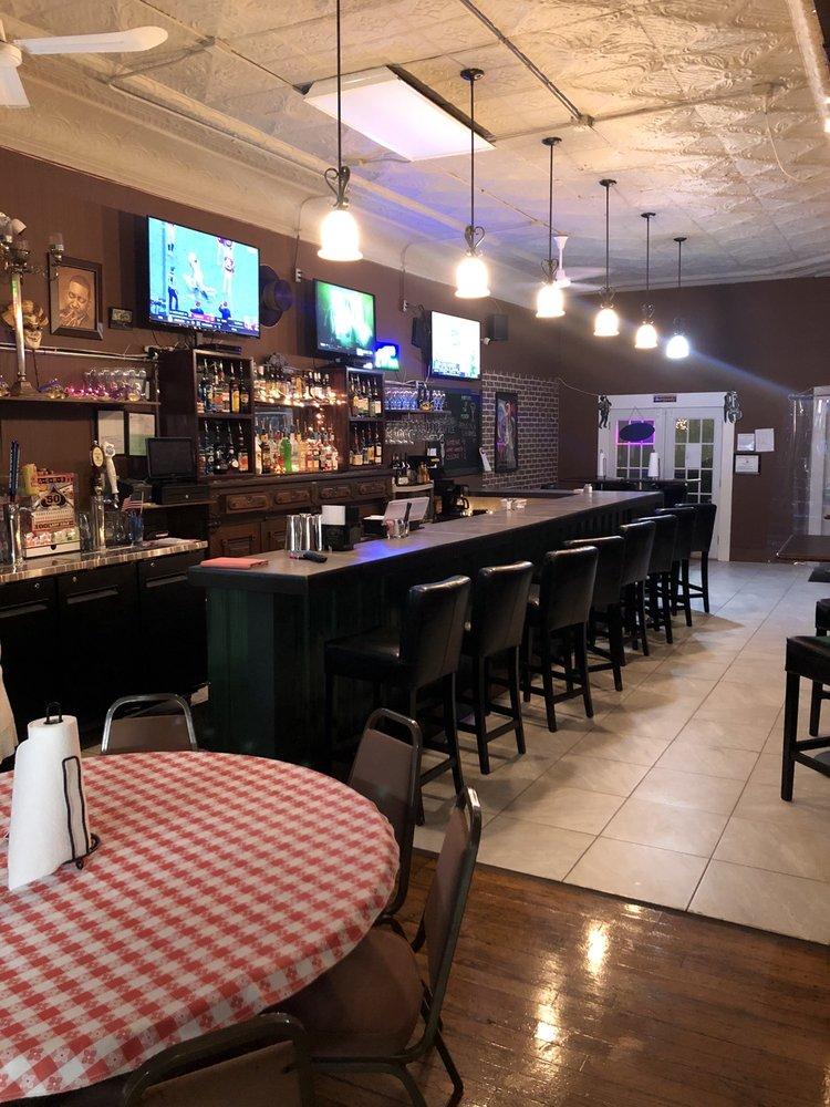 9 One One Tavern on Main: 911 E Main St, Richmond, IN