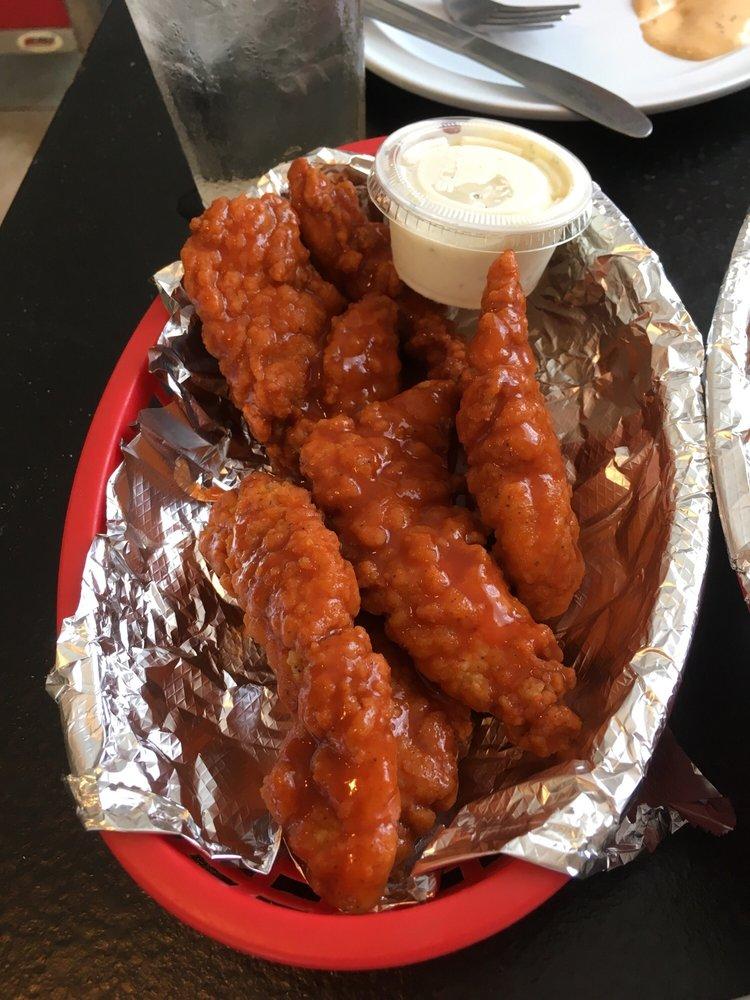 Charlie's Main Street Restaurant: 304 N Main St, Lynnville, IN