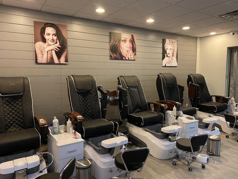 Boutique Nail Salon: 470 Union Square Dr, New Hope, PA