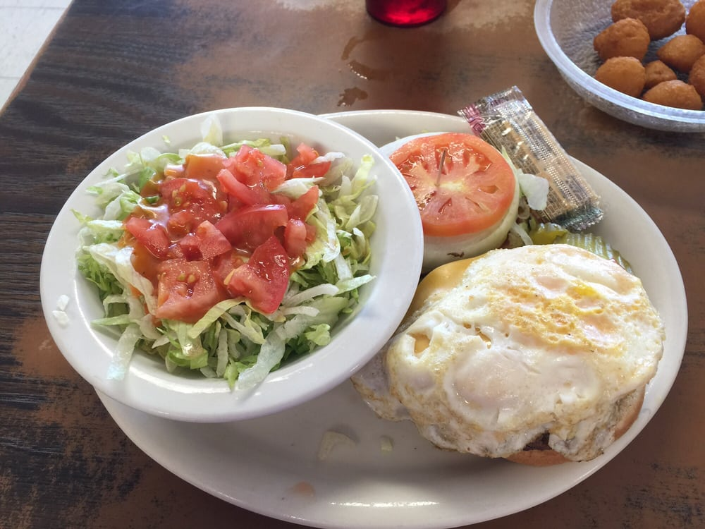 Tumbleweed Cafe: 850 E South E St, Broken Bow, NE