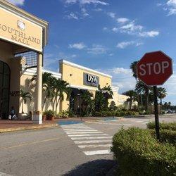 Dsw Designer Shoe Warehouse Miami, FL