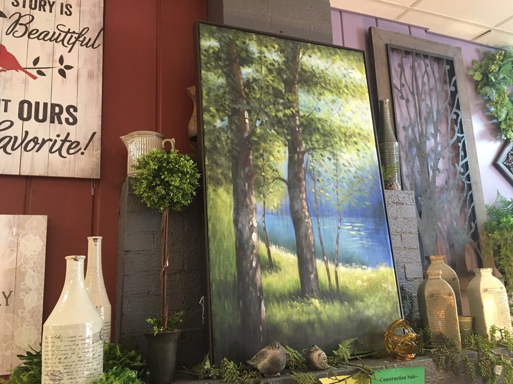 Heritage Arts, Gifts & Antiques: 103 5th St S, Walker, MN