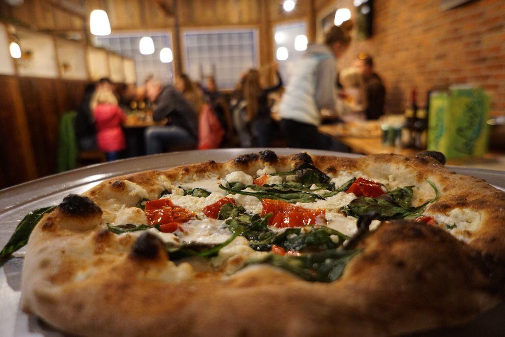 Tumwater Bakery & Pizza: 219 9th St, Leavenworth, WA