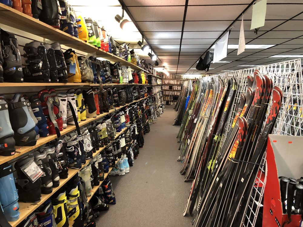 Ski and Snowboard Outlet: 9034 E Huntington Dr, San Gabriel, CA