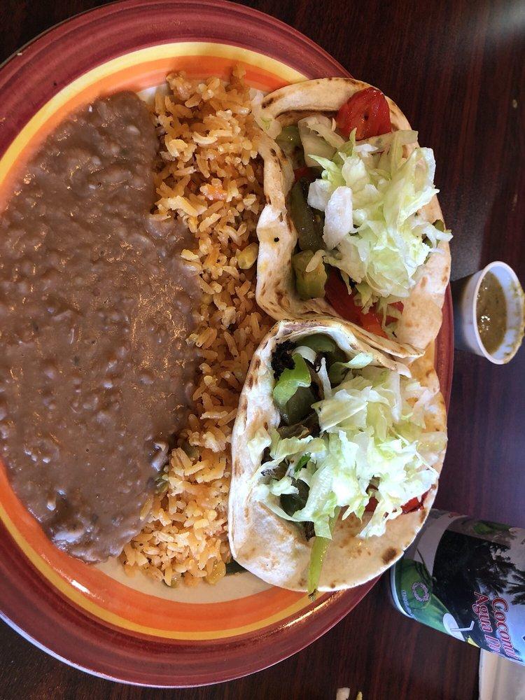 Food from Los Amigos Tacos