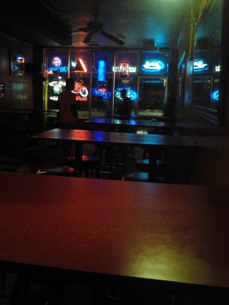 Illini Inn: 901 S 4th St, Champaign, IL