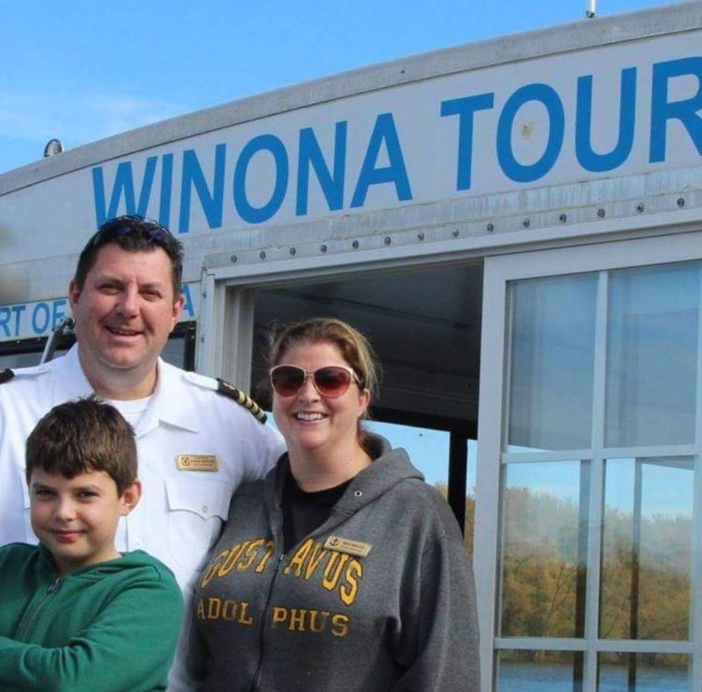 Winona Tour Boat: 1 Walnut St, Winona, MN