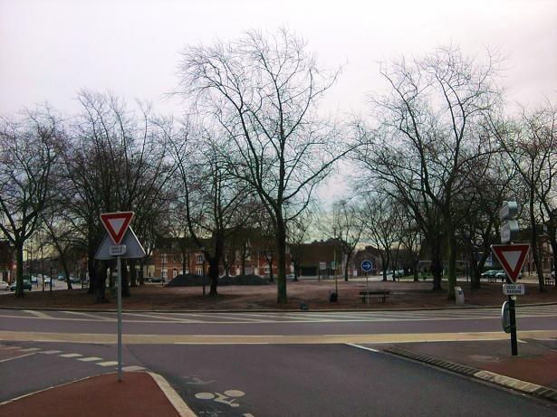 Place du travail public plazas place du travail roubaix nord france - Place du travail roubaix ...