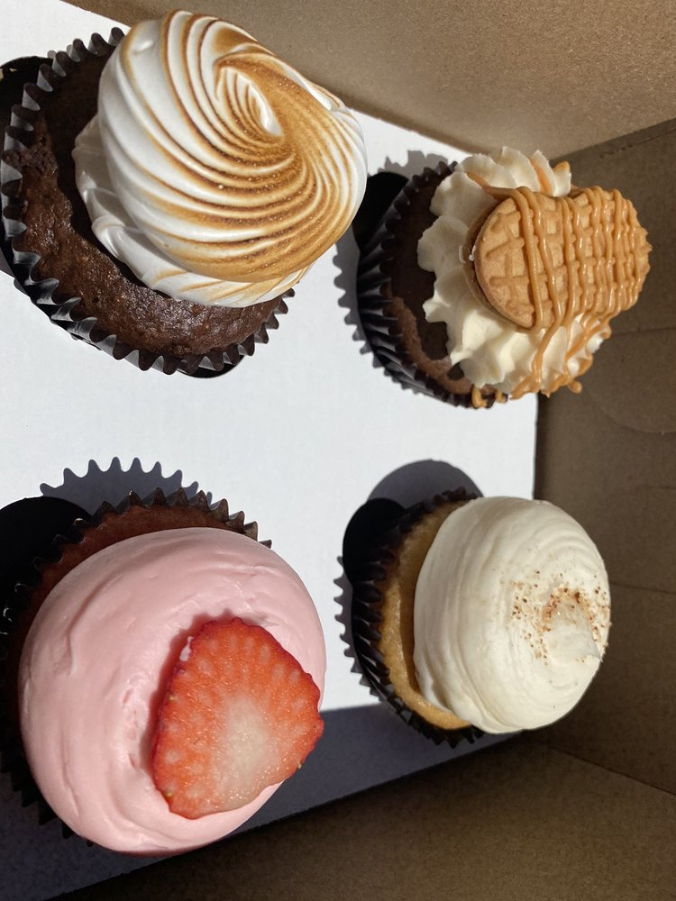 Fancy Flour Bakery: 2606 E Nettleton Ave, Jonesboro, AR