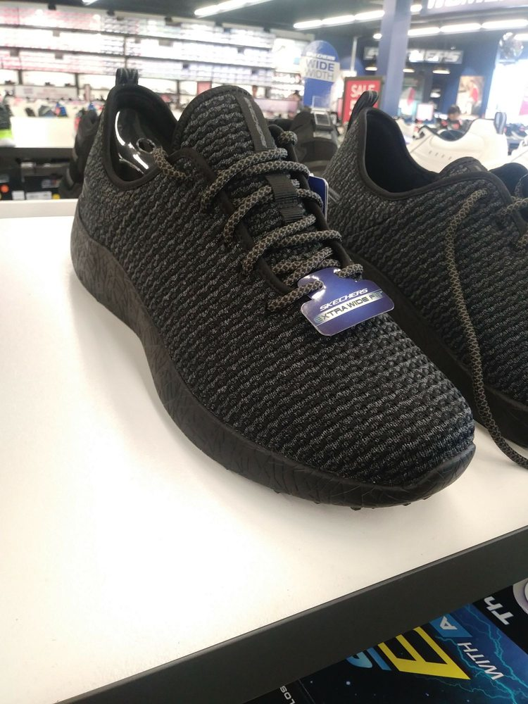 SKECHERS Factory Outlet: 946 Admiral Callaghan Ln, Vallejo, CA
