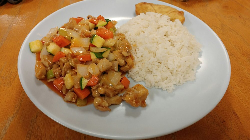 The Wok - Chinese Express: 703 Eastwood Dr, Mahomet, IL