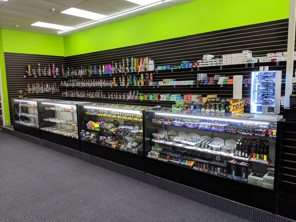 Haywood Discount Tobacco & Vape: 185 Paragon Pkwy, Clyde, NC