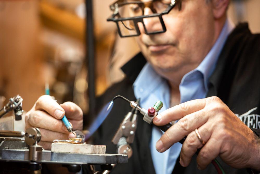 Everett Designers of Fine Jewelry