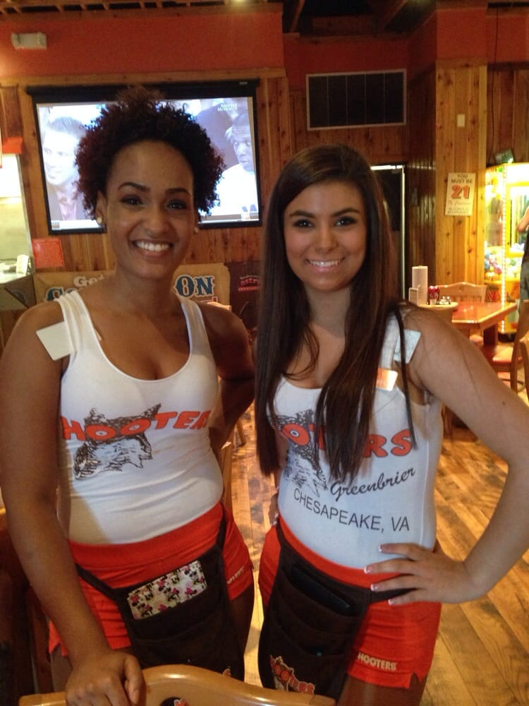 Photos for Hooters - Yelp