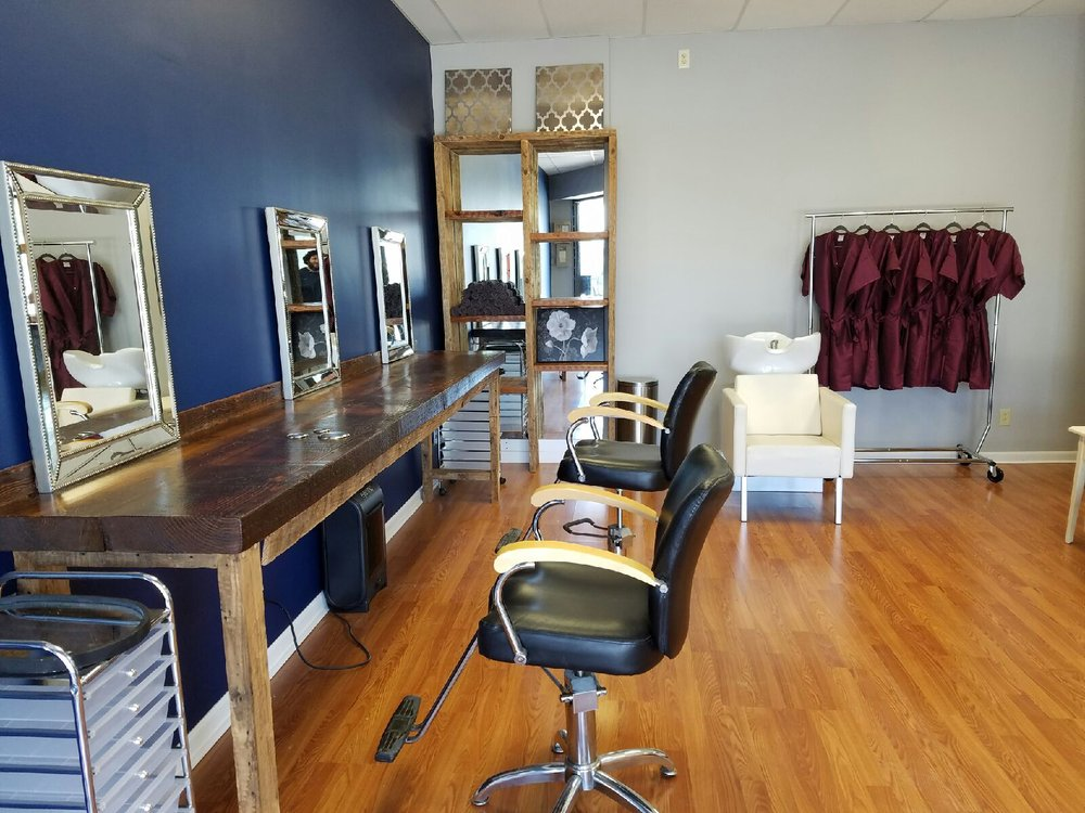 Salon mxix hair salons 425 17th st moline il united for Act one salon salem nh