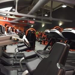 basic fit salles de sport chauss e d 39 alsemberg 396 moli re longchamp uccle r gion de. Black Bedroom Furniture Sets. Home Design Ideas