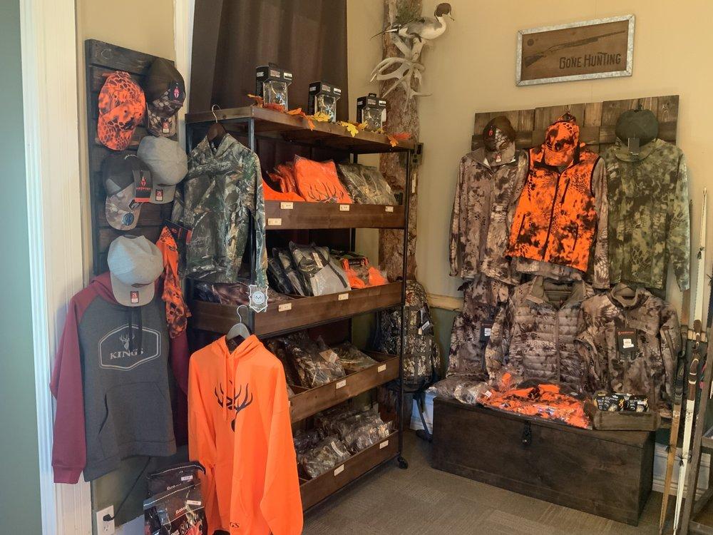 Huntsmen Outdoors: 57 S Maint St, Monroe, UT
