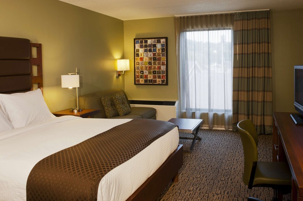 DoubleTree by Hilton Hotel Collinsville - St. Louis
