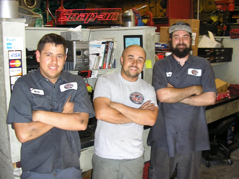 Rod's Auto Repair & Tire: 18584 Hwy 108, Jamestown, CA