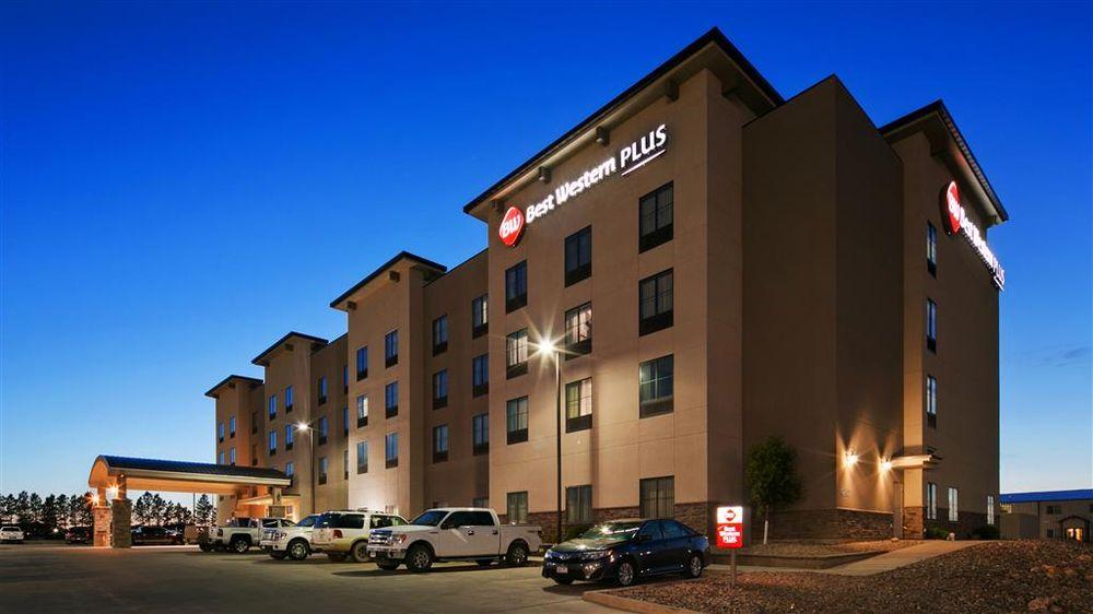 Best Western Plus Williston Hotel & Suites: 4201 4th Ave W, Williston, ND