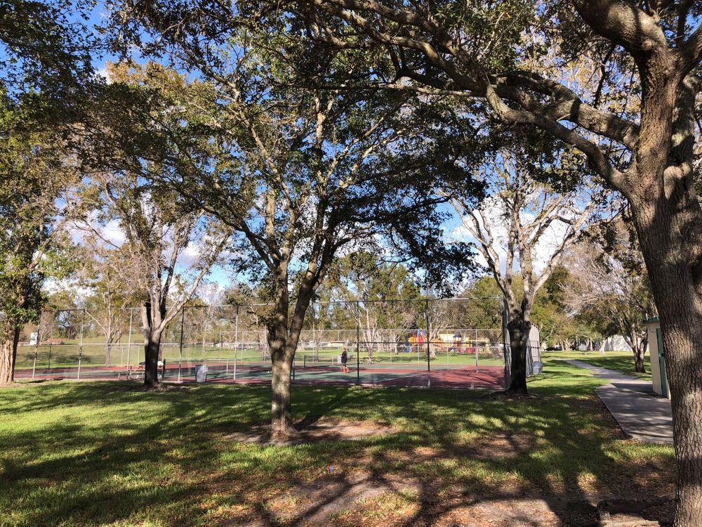 Kendale Lakes Park