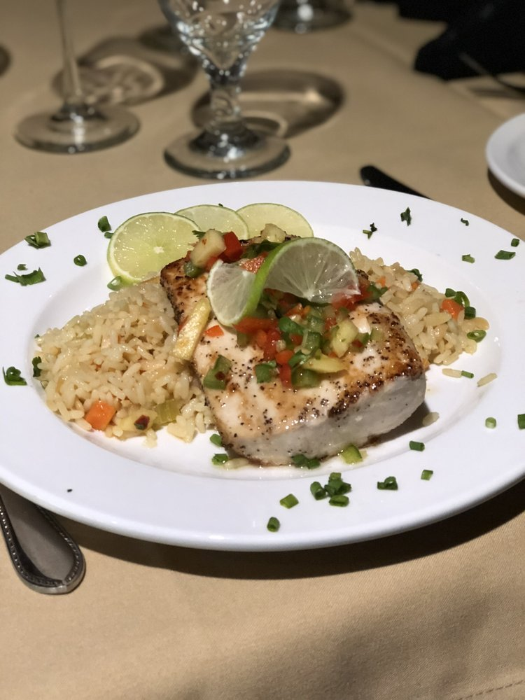 T-Prime Steak And Seafood: 700 Turnberry Cir, Lenoir City, TN