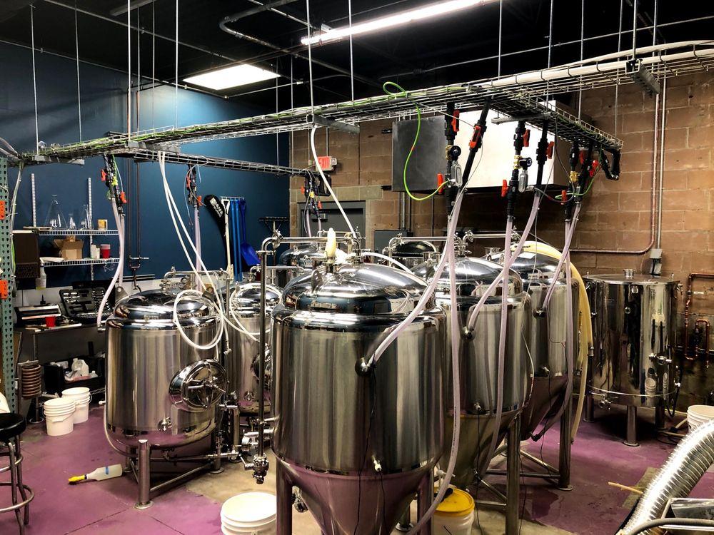 Crossroads Brewery: 9995 Winghaven Blvd, O'Fallon, MO