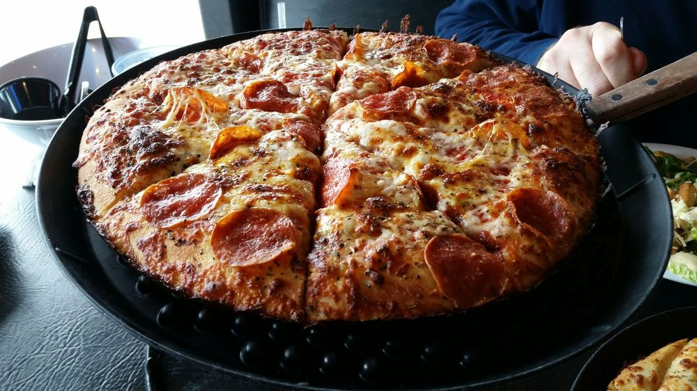 West Side Pizza: 540 W Washington St, Sequim, WA