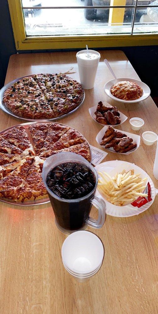 Pizza House: 2433 N Sierra Way, San Bernardino, CA