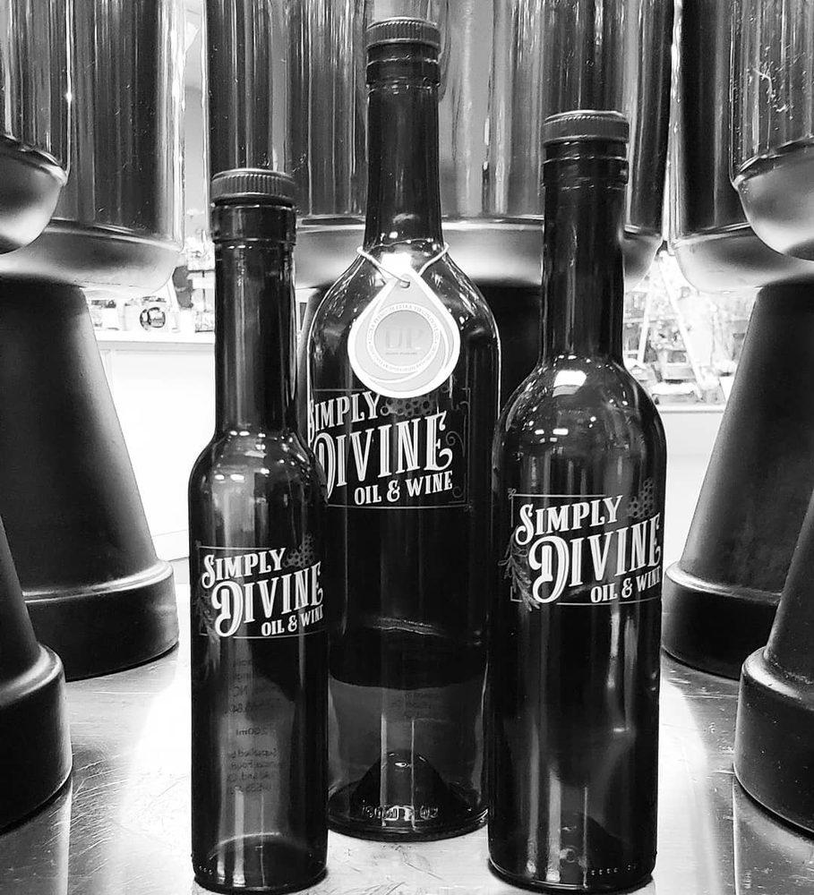 Simply Divine Oil & Wine: 692 E Arlington Blvd, Greenville, NC