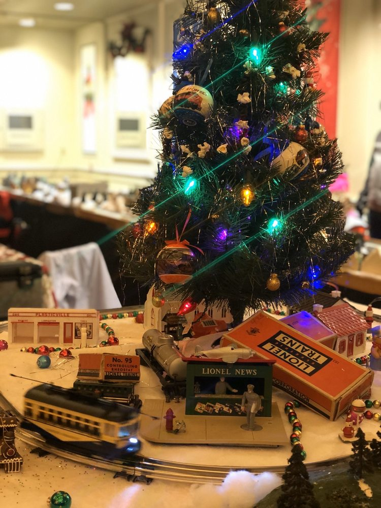 Holiday Nights at Greenfield Village: 20900 Oakwood Blvd, Dearborn, MI