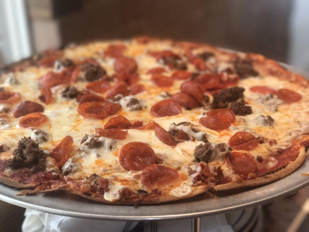 Eno's Pizza Tavern: 215 S Bois D'Arc St, Forney, TX