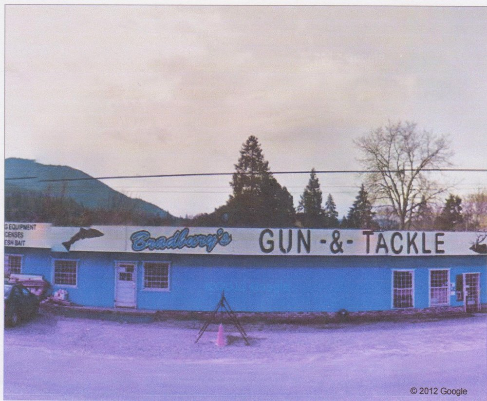 Bradbury's Gun-N-Tackle: 1809 Rogue River Hwy, Grants Pass, OR