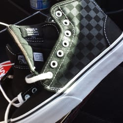 7e21075f18e Vans Outlet - 14 Reviews - Shoe Stores - 917 Lifestyle St