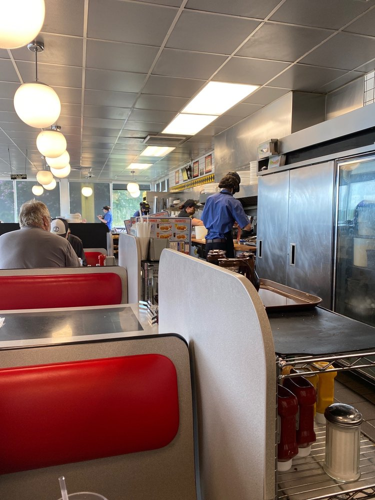 Waffle House: 2325 Reeves St, Dothan, AL