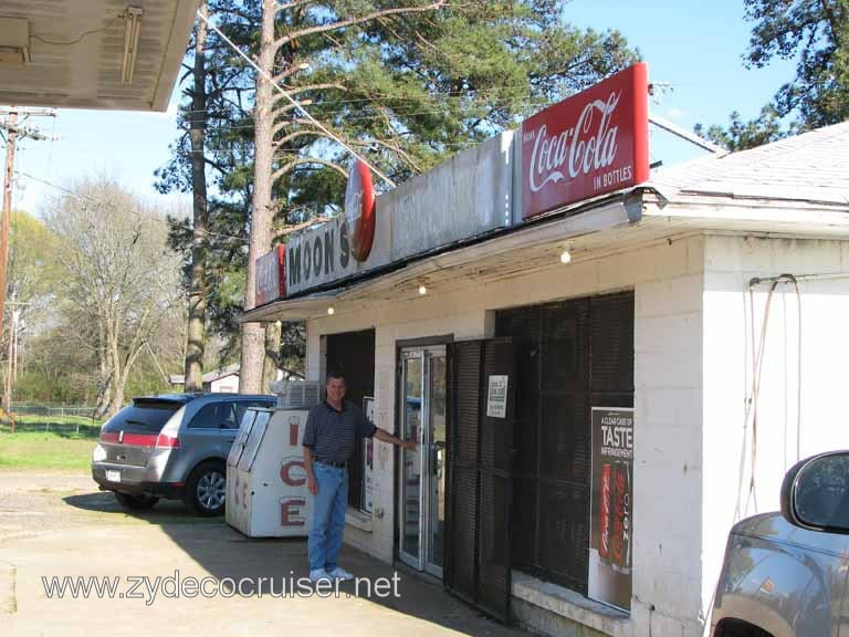 Moon's J E Grocery: 6979 Highway 9, Homer, LA