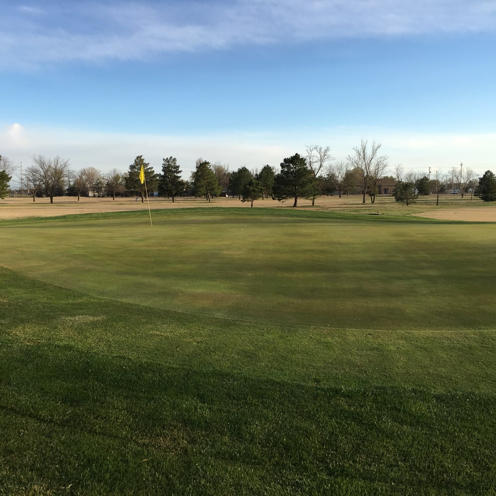 Stoneridge Country Club: 1438 24th St, Great Bend, KS