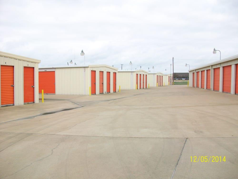 Mini-West Storage: 1400 N 45th St, Corsicana, TX