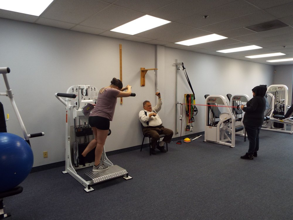 ProCare Physical Therapy: 1752 Orange Tree Ln, Redlands, CA