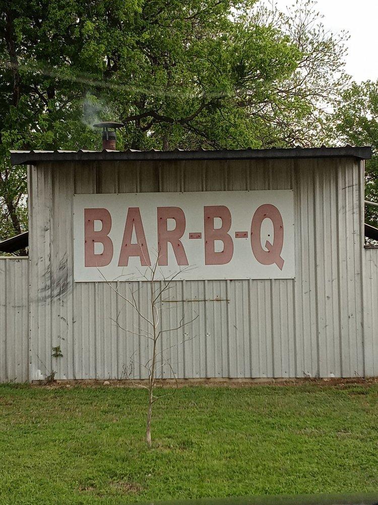 Webers Bbq: 4146 3rd St, Walnut Springs, TX
