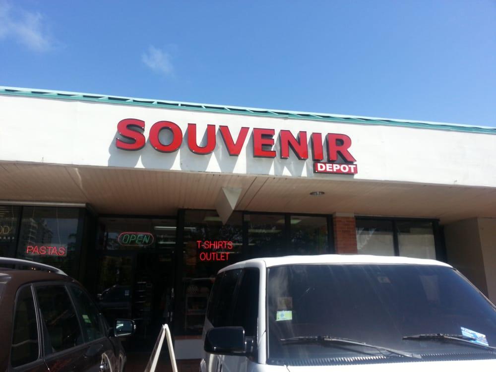 Souvenir Depot: 6150 Isla Verde Avenue, Carolina, PR