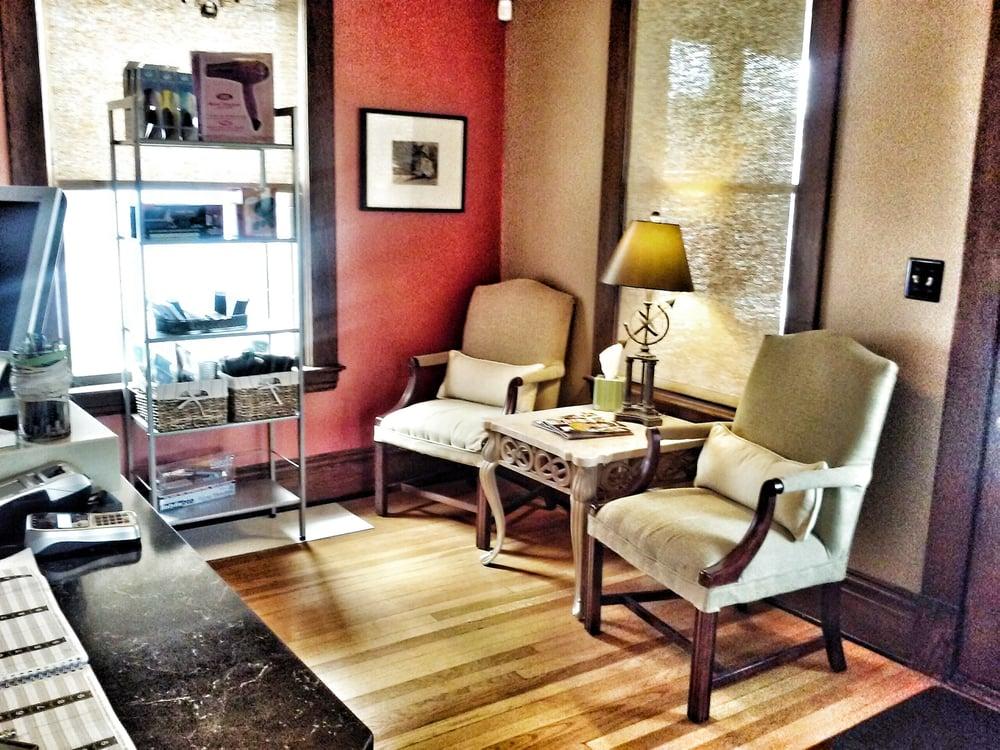 The Edge Salon: 422 College Ave NE, Grand Rapids, MI
