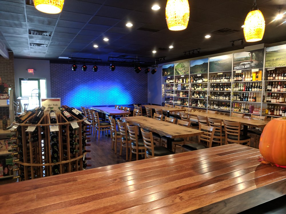 Cork & Cap Bottle Shop & Tasting Room: 3225 Elm Rd, Warren, OH