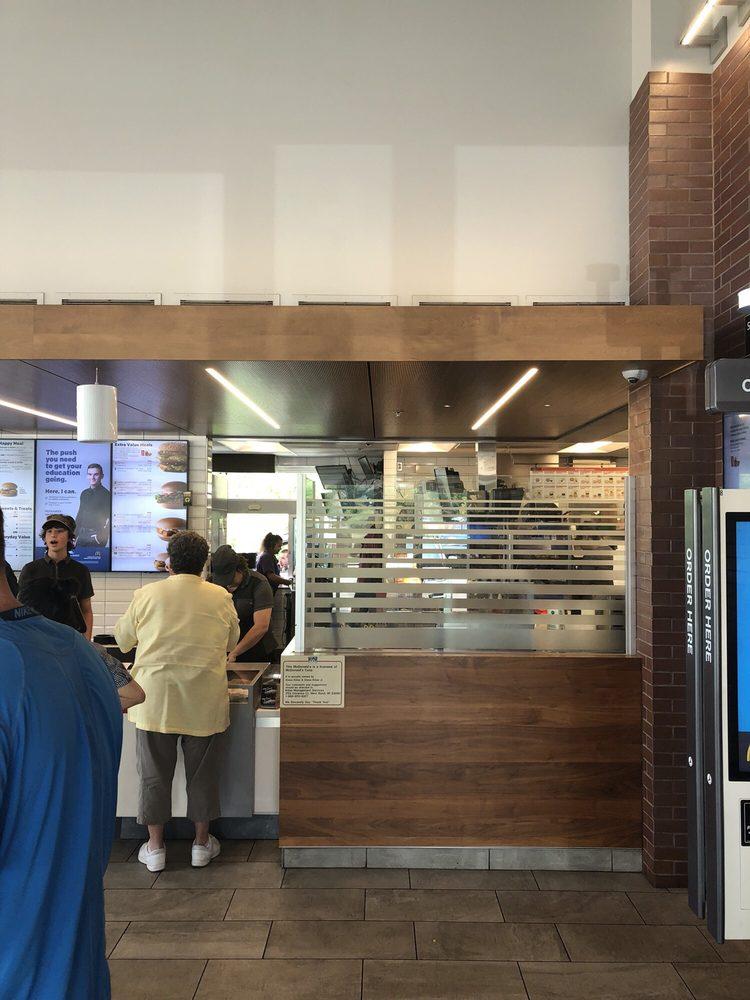 McDonald's: 2570 Washington St, Grafton, WI