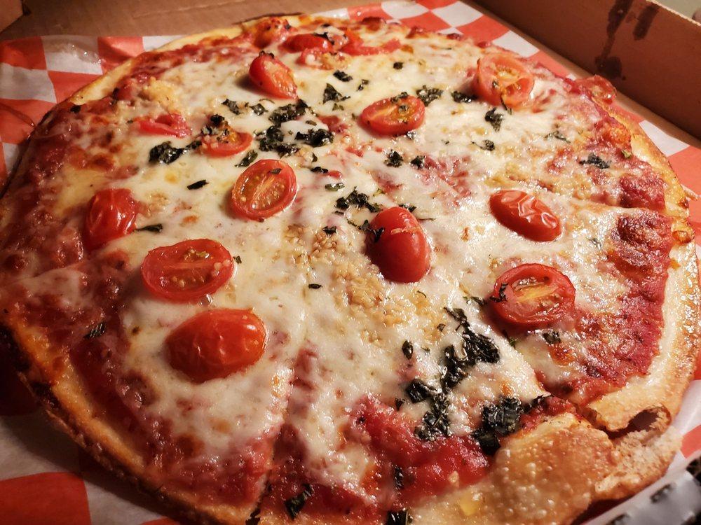 Primo's Pizzeria: 2043 S Hurstbourne Pkwy, Louisville, KY