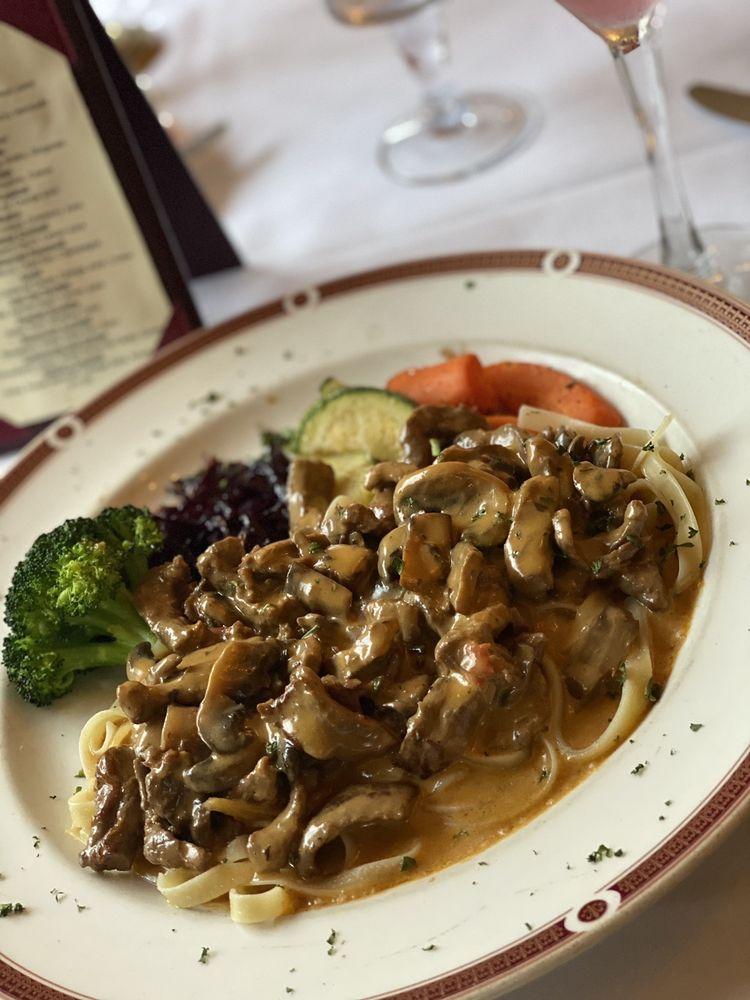 Russia House Restaurant: 724 Pine St, Herndon, VA