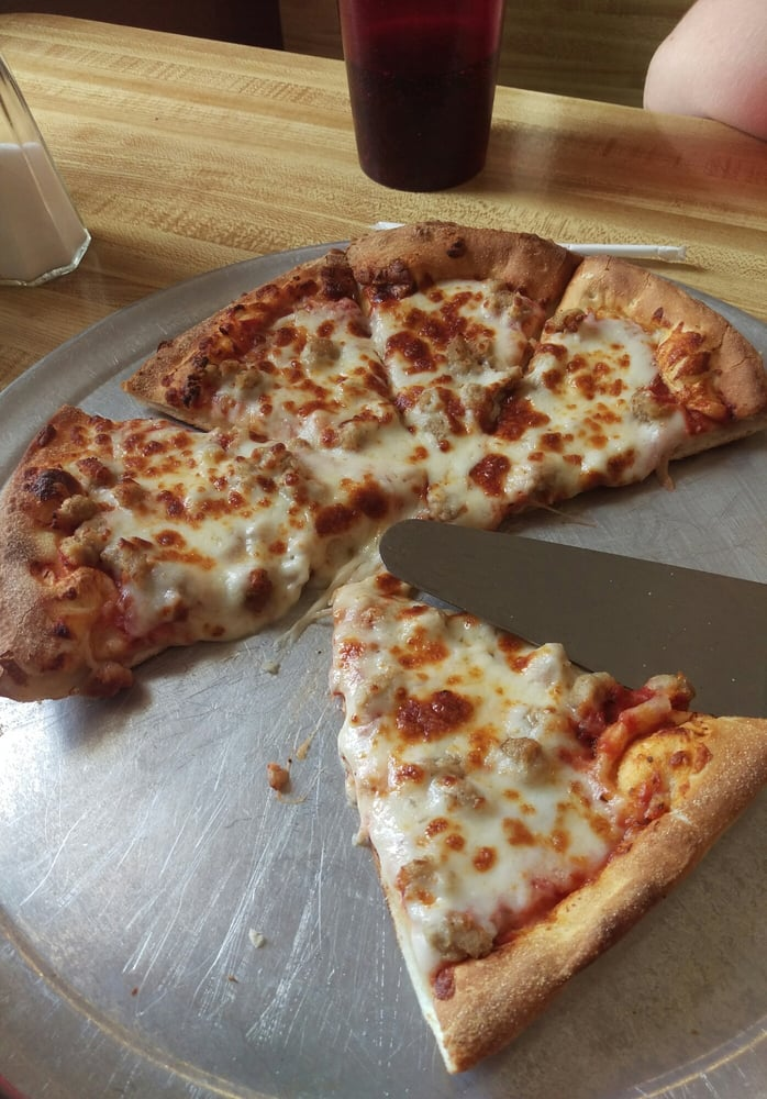 Pizza Pro Partners Grill: 12850 Hwy 16, Comanche, TX