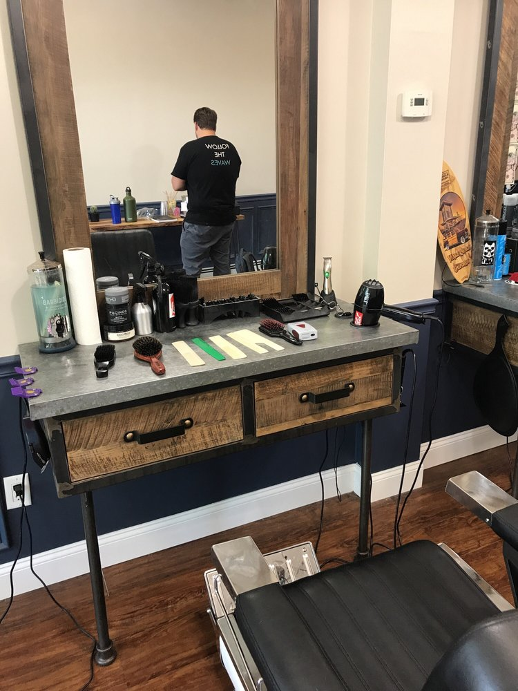 Barber & Co: 496 New Rochelle Rd, Bronxville, NY