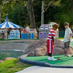 Franklin Square Mini Golf - 34 Photos & 19 Reviews - Mini Golf - 200 ...