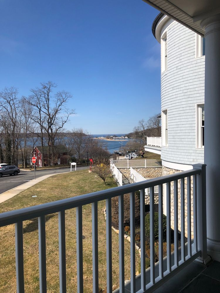 Cold Spring Harbor Library: 95 Harbor Rd, Cold Spring Harbor, NY